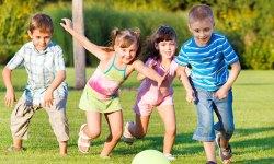 https://i0.wp.com/olive-banane-et-pasteque.com/wp-content/uploads/2013/07/27-idees-pour-occuper-vos-enfants-cet-ete-avec-un-peu-dimagination-une.jpg?resize=250%2C150