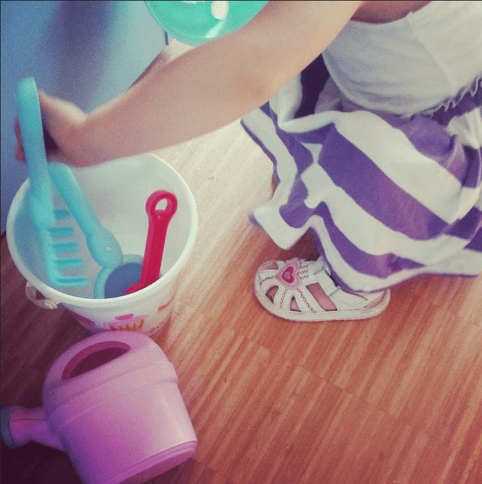 Mes jouets préférés #2 : le seau, la pelle et le rateau