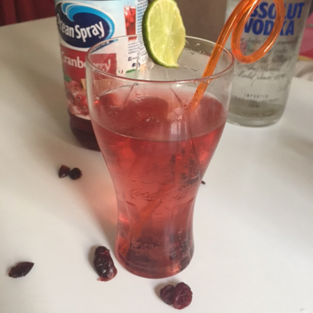 cocktail-vodka-cranberry-limonade
