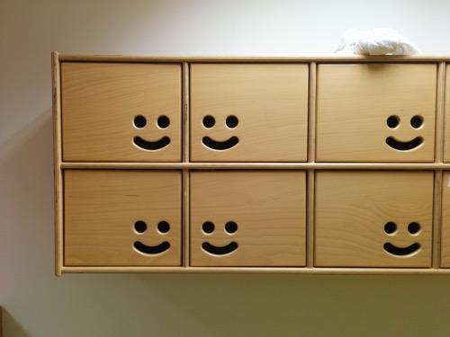 casiers originaux sourire maison bleue réseau creche privée