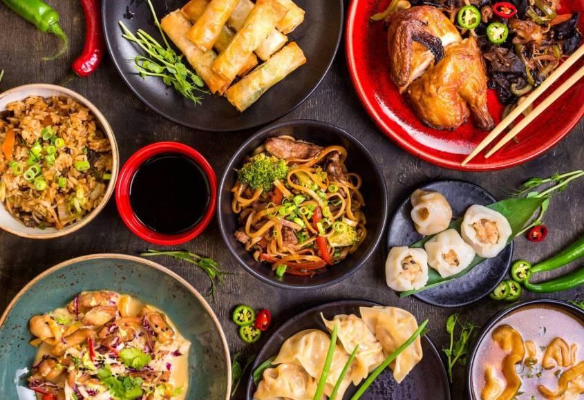 de bons plats asiatiques
