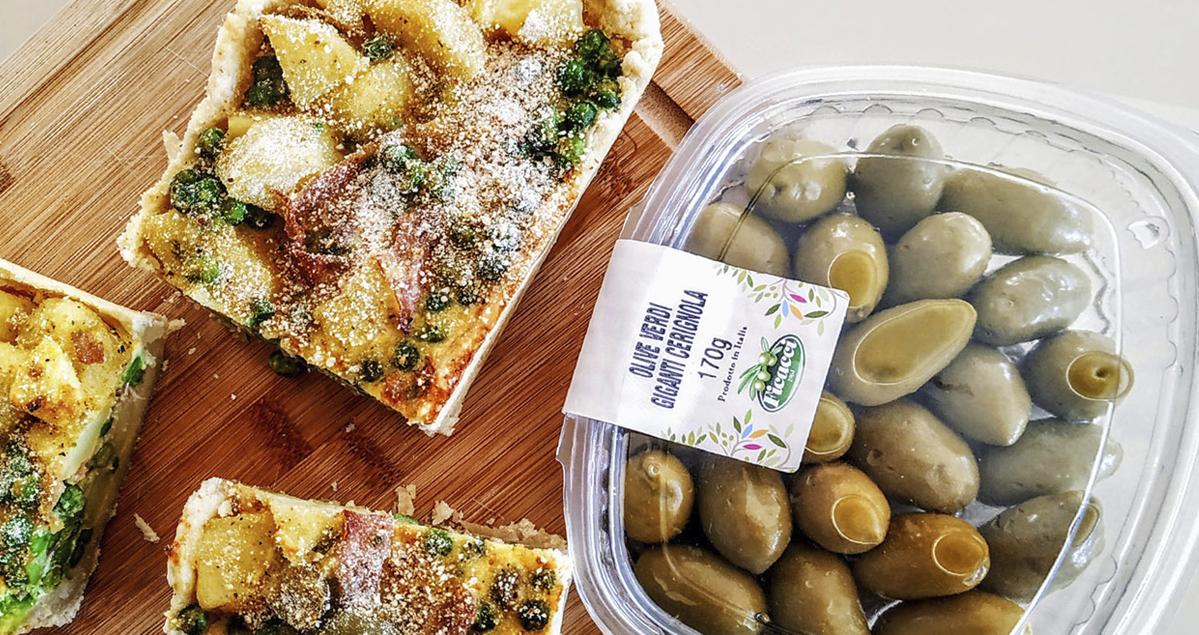 Quiche-con-patate-piselli-prosciutto-e-olive