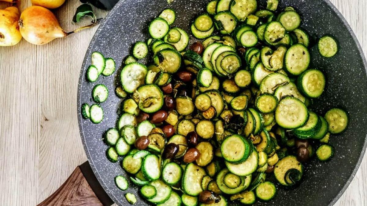zucchine-trifolate-con-olive