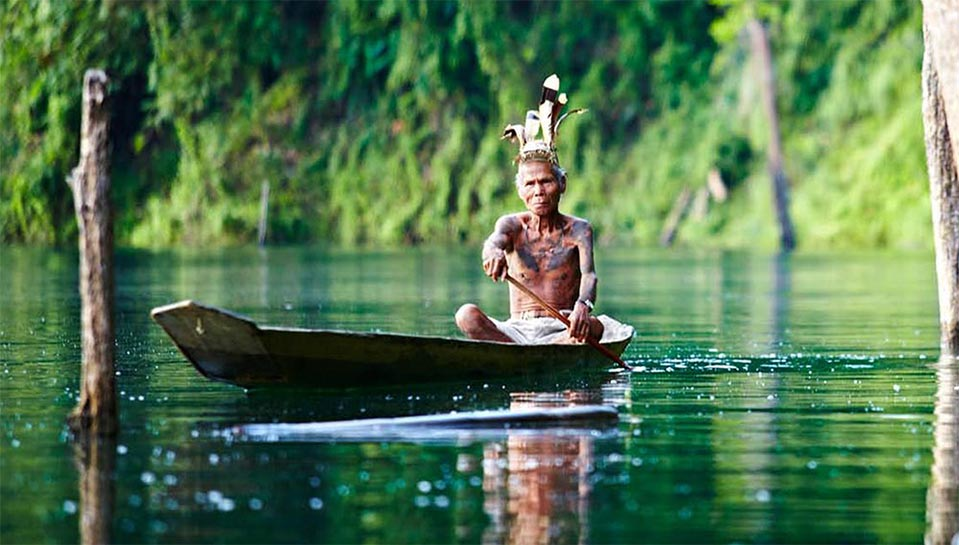 borneo-iban-canoe