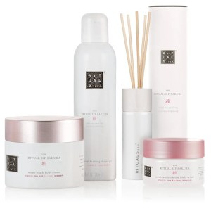 Continut set cadou mare Rituals The Ritual of Sakura
