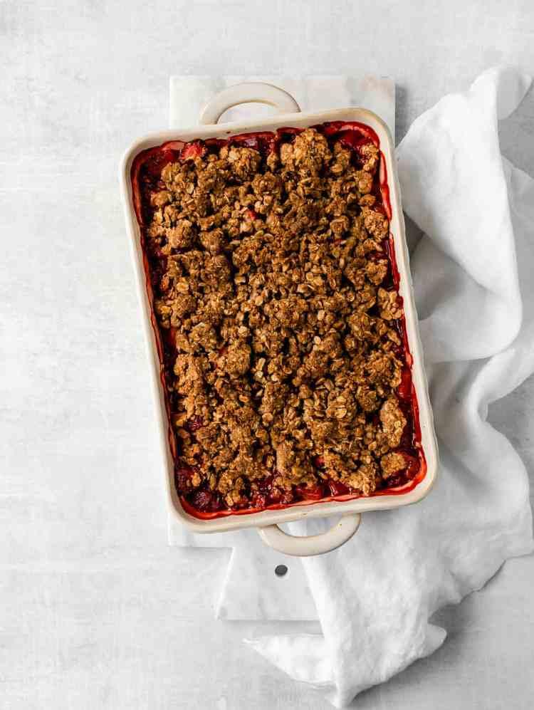 baked strawberry rhubarb crisp