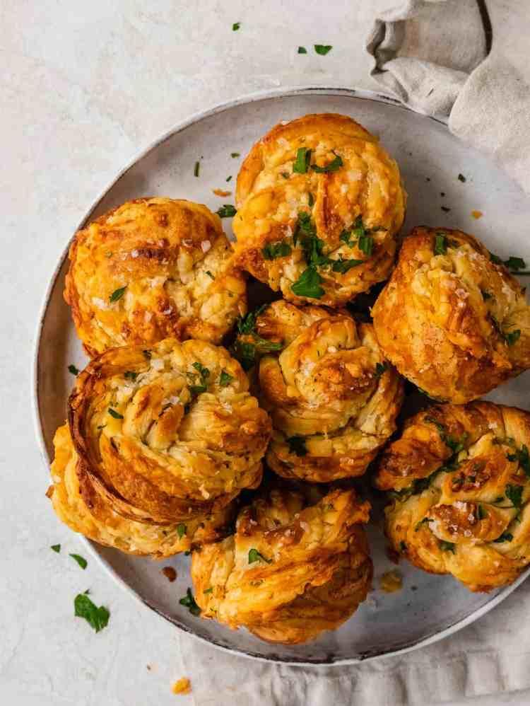 twisted garlic herb cheese rolls