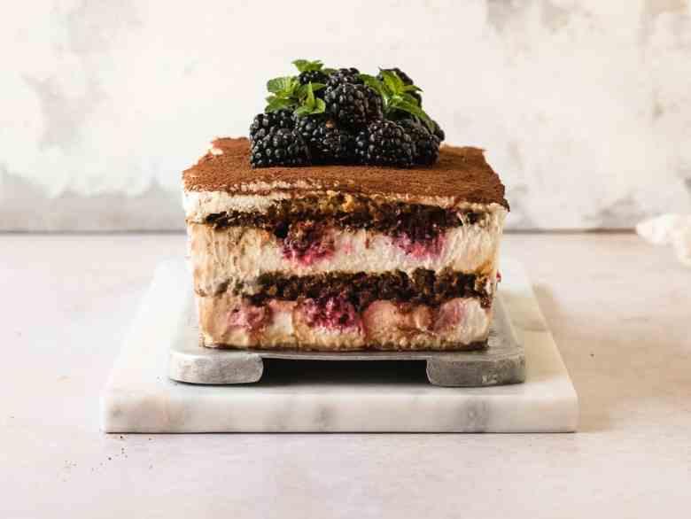 blackberry tiramisu icebox cake