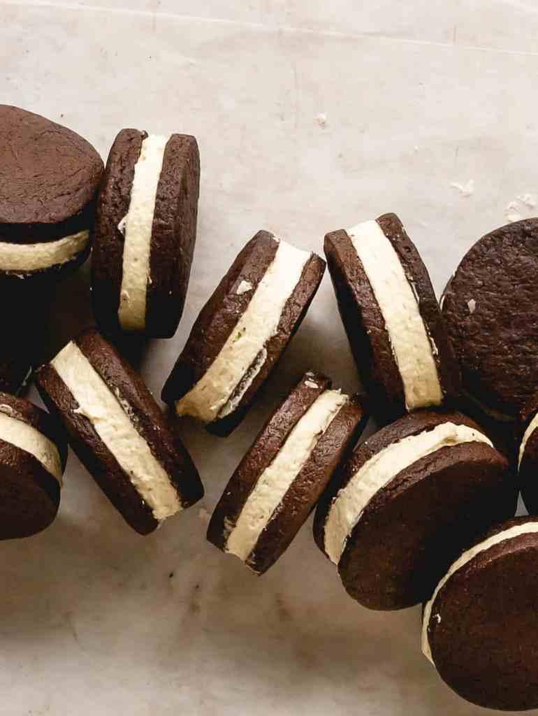 homemade tahini oreo cookies