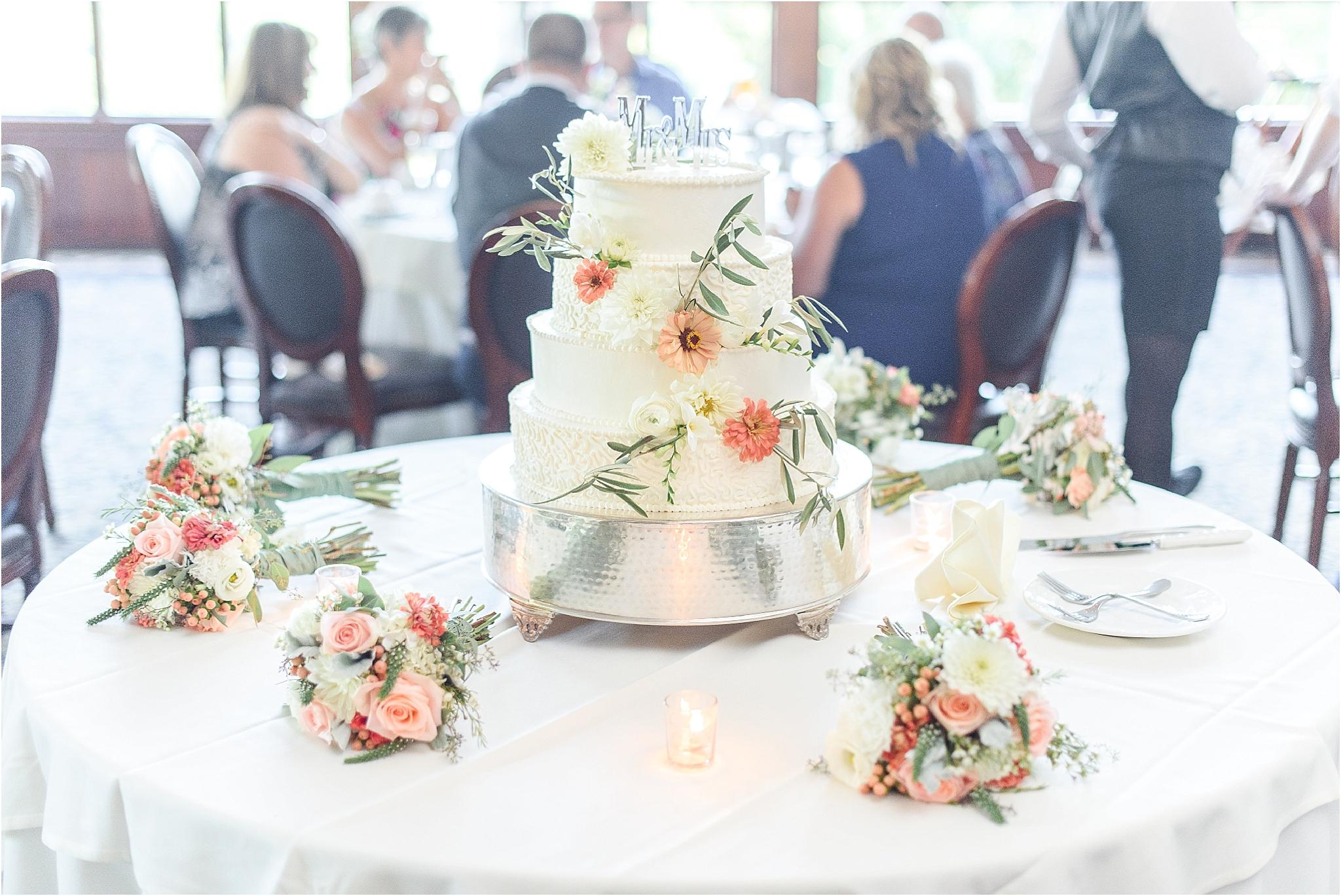 Poconos-Wedding-Stroudsmoor Country Inn-Philadelphia Wedding Photographer