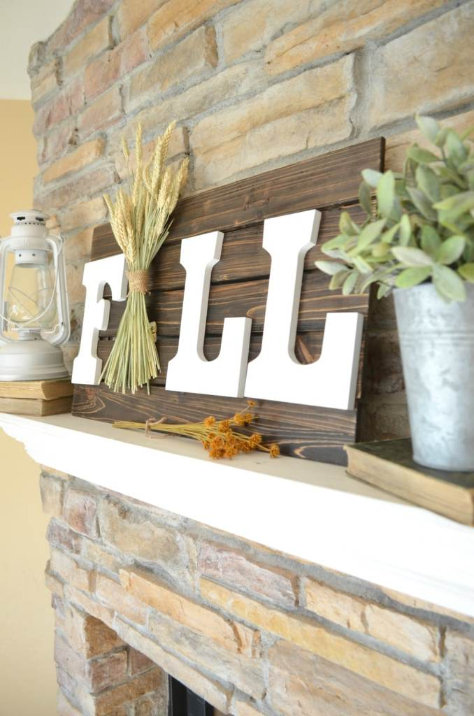 The Easiest DIY Fall Sign