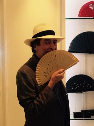 Joaquin Sabina, man, Olivier Bernoux, Fans & Friends, Fans & Bags, Fans & Clutches, Fans & Fashion, Weapons of Seduction, Fans, Eventail, Abanico, Handfan, fancy, Elegant, Evening, Handmade,