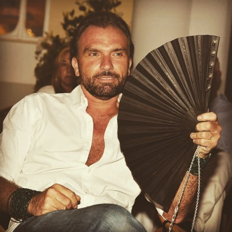 Olivier Bernoux, Man, Beard, Fans & Friends, Fans & Bags, Fans & Clutches, Fans & Fashion, Fans, Handfans, Eventail, Abanico, Fashion, Designer, Clutches, bags, Weapons of Seduction
