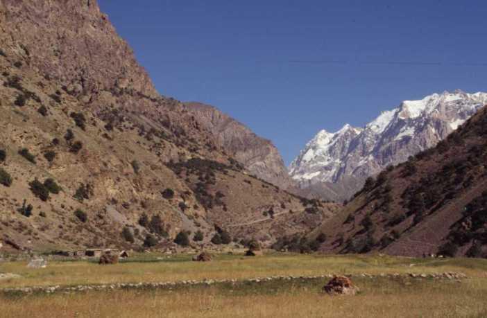 Près de notre camp dans la vallée d'Artcha Maïdan, le 13 août 2004