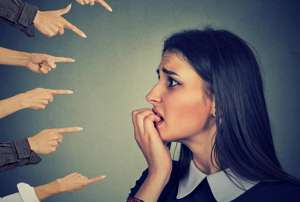 se détacher du regard des autres et du jugement quotidien