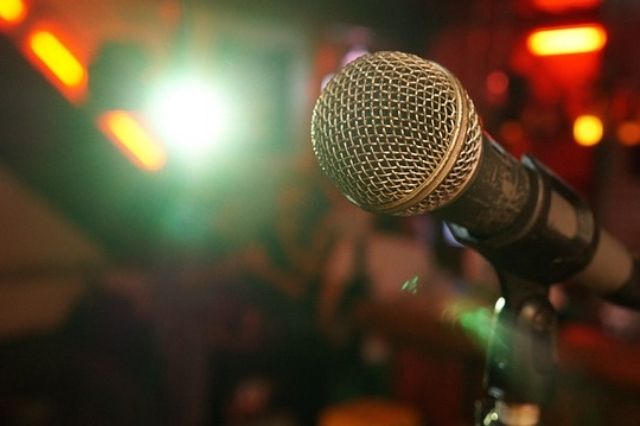 Comment oser prendre la parole en public ? | 3 astuces