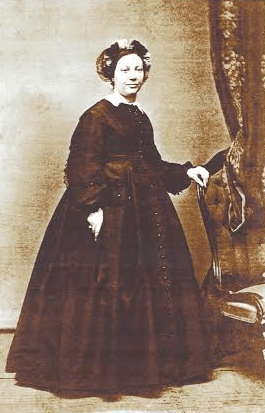 Elizabeth's daughter, Aimee maintained the house throughout her life, though she spent much of her adult life in Paris, Aimee died in New Olreans in 1889 and is also buried in the Locoul family crypt. Aimee married a French Count, Monsieur Ivan Charles de Lobel-Mahy.