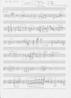 EMPI1.0L'histoire. «Au sein de l'orcheste Il pleut des cordes, un terrible drame est advenu ! Notre illuuuustissime chef Umbert Di Draculano s'est vu abandonné et trahi par ses musiciens lors d'un concert à la Grande Scala Philarmonica Del' Unica Prestissima Musica.  Sa symphonie dite «de l'Atlantide» a sombré dans une cacophonie innnnnnommable.  Désappointé,le public a recouvert notre pauvre chef de tomates et autres déchets de fortune. Il va de soi que la réputation de notre cher maestro est entachée à jamais ! Une photo de lui ainsi accoutré est en première page des plus grands journaux. Mais notre chef n'est pas dupe, il sait que certains musiciens de l'orchestre ont fait exprès de se tromper pour lui jouer ce tour ! Dans un accès de rage, il a brisé sa baguette ! Il s'est juré de ne remonter sur scène que lorsqu'il aurait trouvé le pupitre responsable de ce désastre ! Alors, préparez-vous... préparez-vous à jouer pour vote défense ...!»