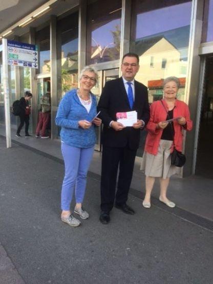 En campagne ce matin à Saint-Maur avec Elisabeth Bouffard-Savary au RER Saint-Maur-Créteil