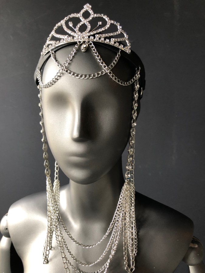 Face Mask Queen - black leather, silver chain