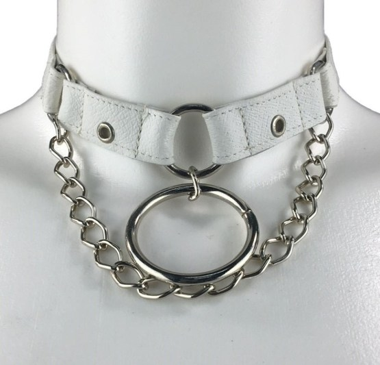 Necklace Berlin East - white leather, silver chain