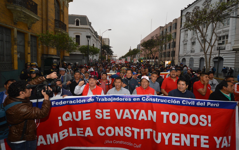 """Perú, entre """"Golpe de Estado"""" y la demanda de su 13ª Asamblea Constituyente – Ollantay Itzamná"""