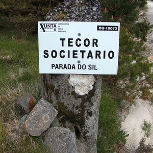 A Xunta obrigada a retirar un cartel dunha pedrafita en Parada do Sil