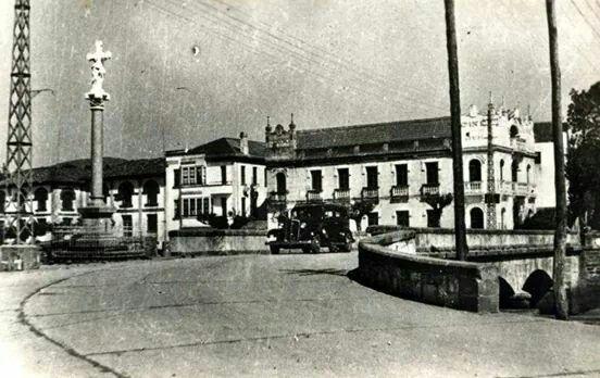 Ponte vella e cinema Arrivi desde a praza da Marieta
