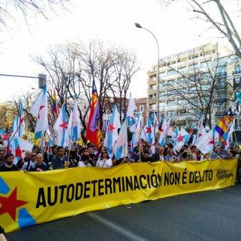 Estreleiras republicanas inzan Madrid a favor da autodeterminación