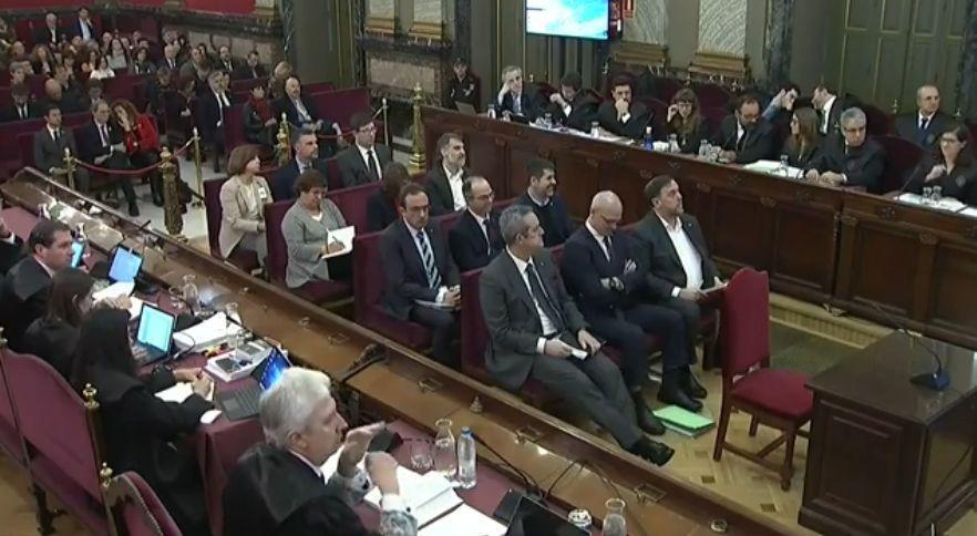 O xulgamento ao Procés chega ao fin cos relatos das defensas e a última virada de palabra para os acusados