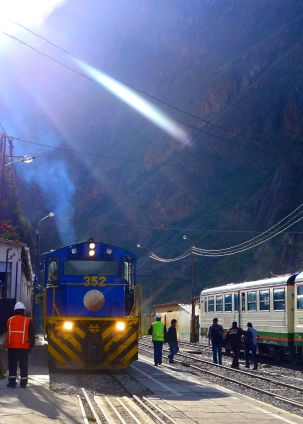 06 perurail train