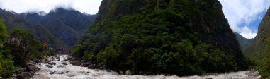 25 aguas calientes willkanuta river pano