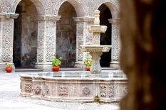 18 arequipa claustros fountain