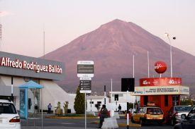51 arequipa airport misti
