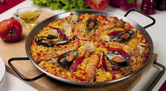 paella_cooking_class_Barcelona1408717409-638x350