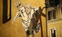 Πάπας Φραγκίσκος: Ντύθηκε…Σούπερμαν σε γκράφιτι που κοσμεί δρόμο της Ρώμης