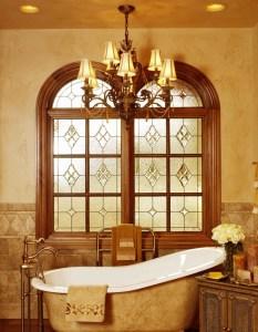 Ólomüveg a fürdőszobában