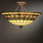 Mennyezeti lámpa Tiffany üvegből
