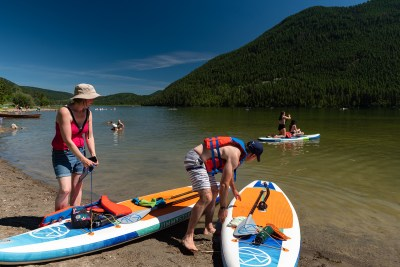 Lifestyle photoshoot at Paul Lake Provincial Park