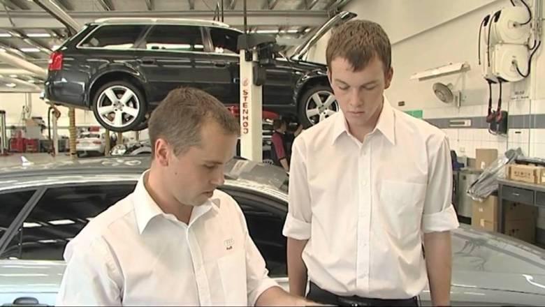 A Career in the Motor Industry –  Automotive Workshop Supervisor (JTJS62011)