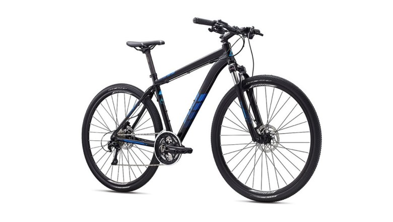 Fuji Traverse Sport Hybrid Bike Product Video by Performance Bicycle