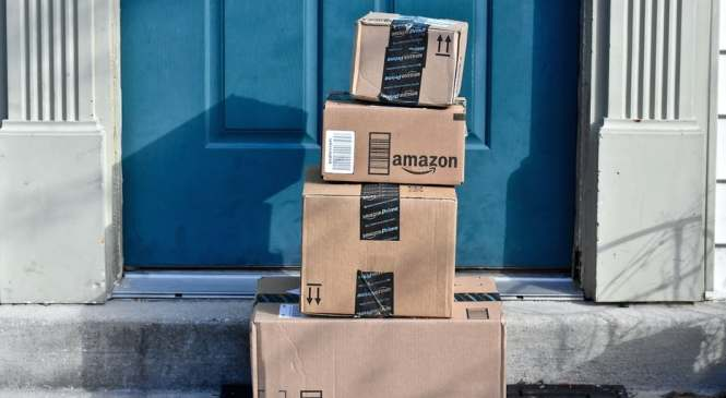 Selling with the Enemy: Why Rival Retailers Embrace Amazon.com