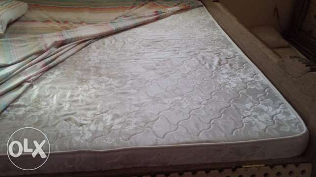 Used King Size Bed Double Mattress Medicated 1 Year Old Ararr