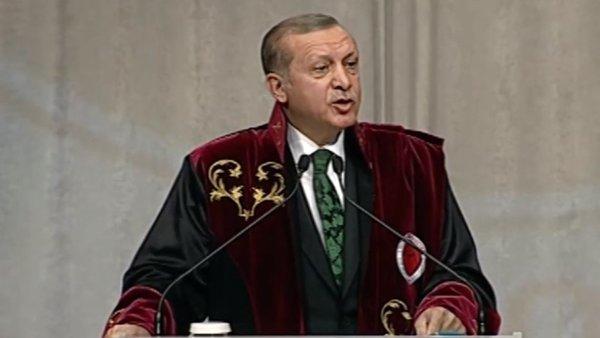 Συνεχίζονται οι συλλήψεις στην Τουρκία Χειροπέδες σε επιχειρηματίες