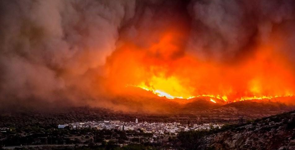 Μεγάλη πυρκαγιά στη ΧΙΟ