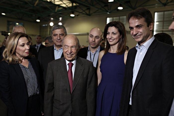 """ΑΠΟΚΑΛΥΨΗ-Ετοιμο κόμμα Σημίτη  που θα στηρίξει το """"παλτό"""" τον Μητσοτάκη"""
