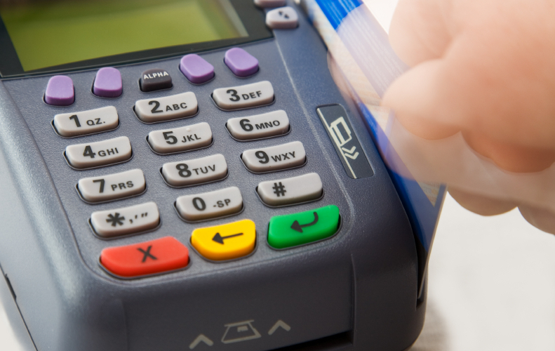 Ποιοί επαγγελματίες θα πρέπει να έχουν μηχανήματα για κάρτες POS
