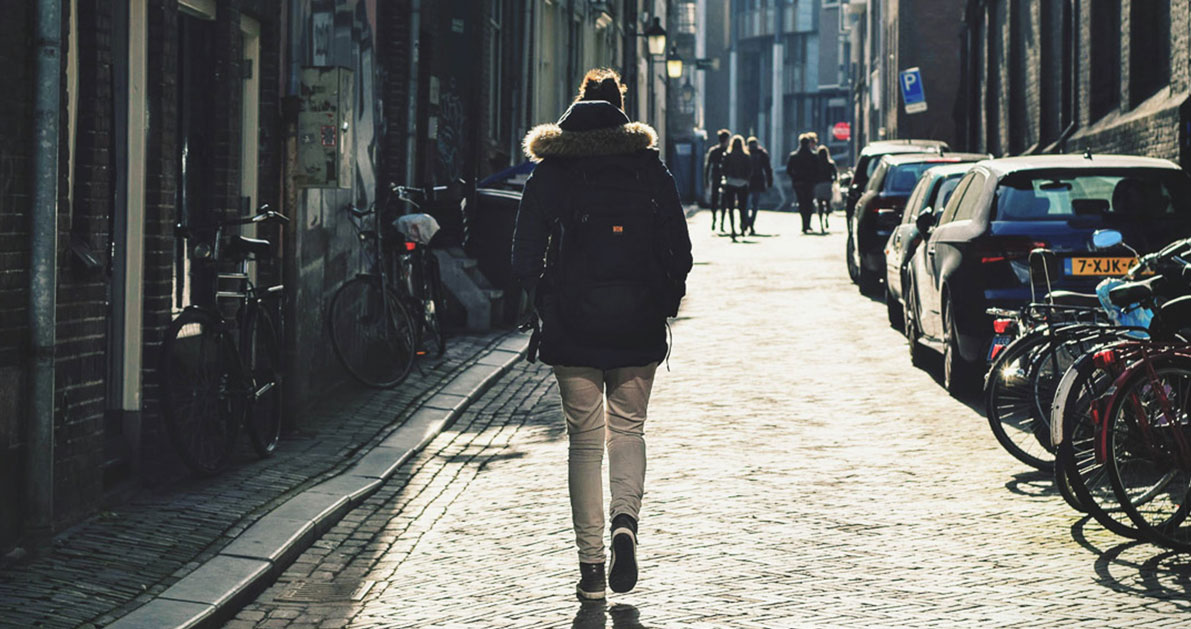 10 λόγοι που ένας περίπατος είναι το καλύτερο φάρμακο για το μυαλό και τη διάθεση