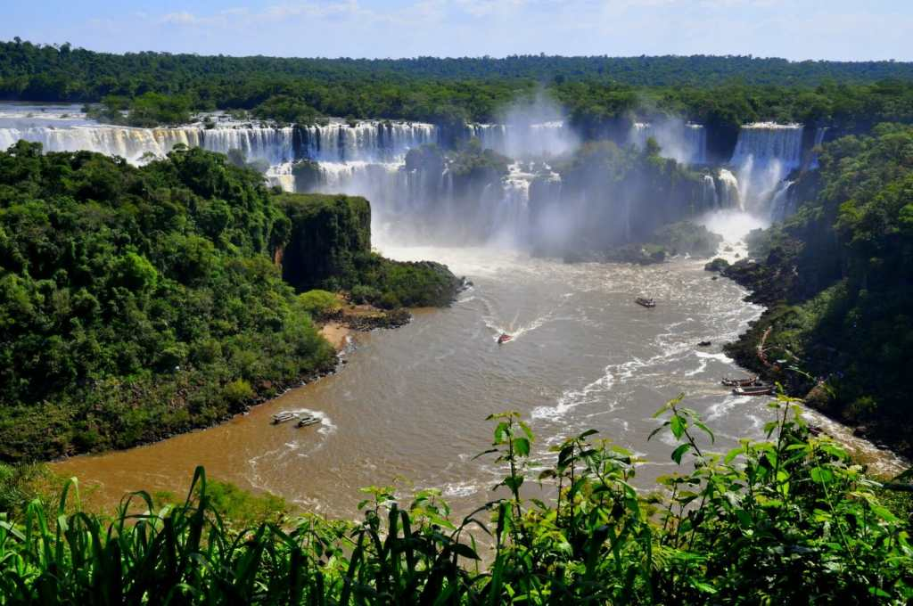 cascade chutes iguazu argentine