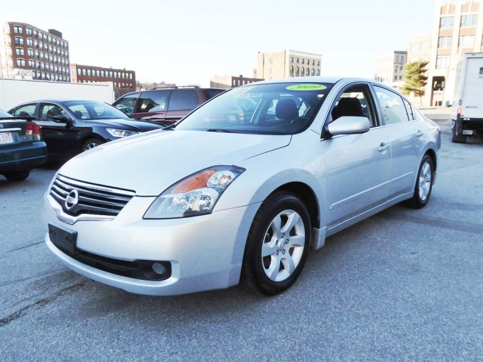 2009 Nissan Altima Sedan Front Left
